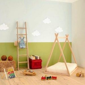 Modello tenda di lettini Montessori in una cameretta