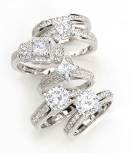 diamanti su anelli